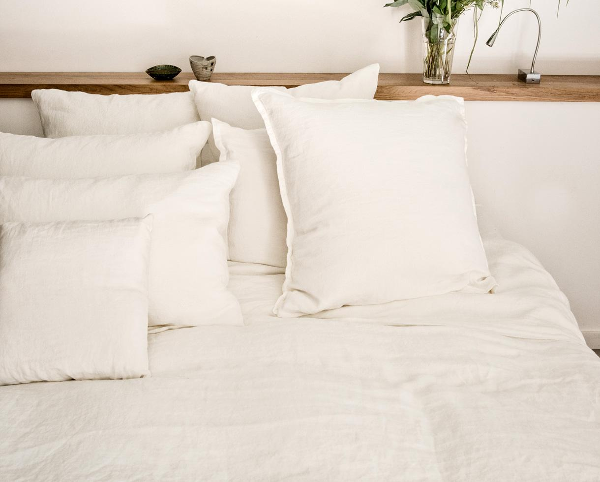 Pillowcase with flounce White Limestone - Couleur Chanvre