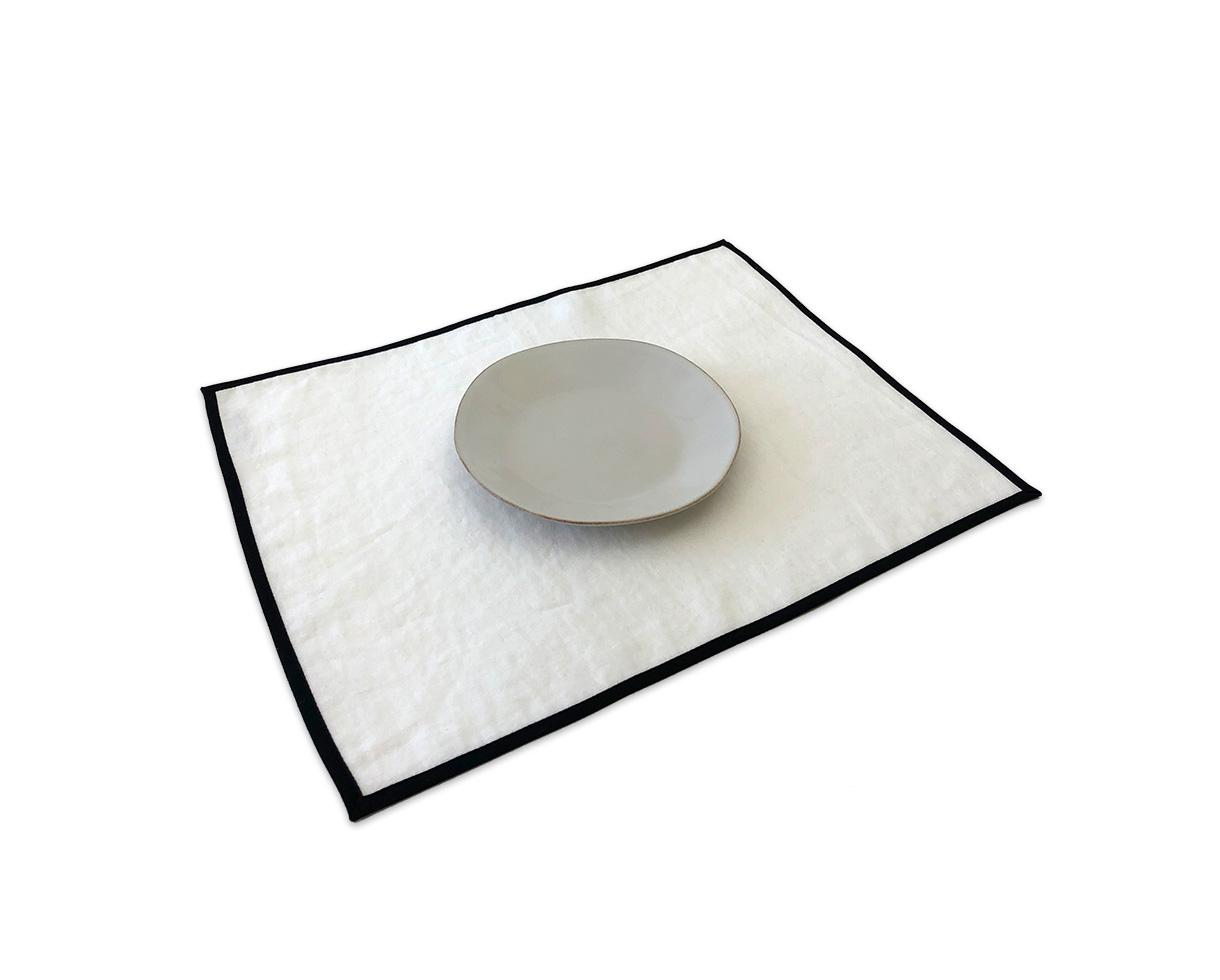 set of 6 linen placemats with black bias White Limestone - Couleur Chanvre